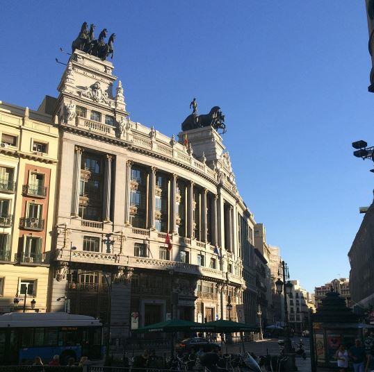 Edificios madrid edificios ms altos de madrid the for Banco bilbao vizcaya oficinas